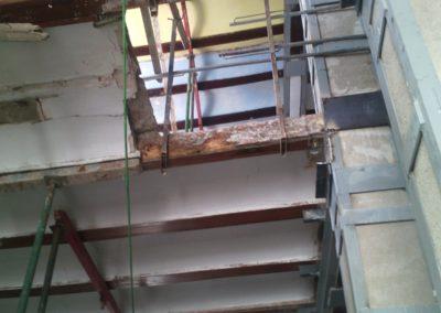 Vigas de madera nave industrial. Valencia